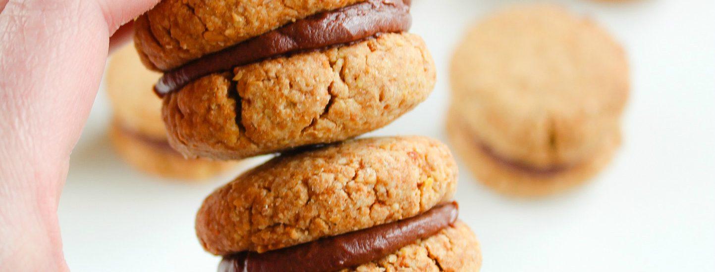 chocolate filled vanilla sandwich cookies
